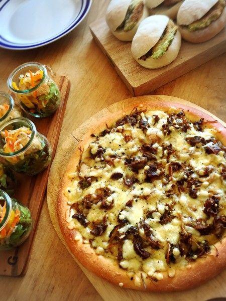 うちCAFE 簡単❗きのことゴボウの砂肝ピザ 秋レシピ|[暮らしニスタ] 暮らしのアイデアがいっぱい♪