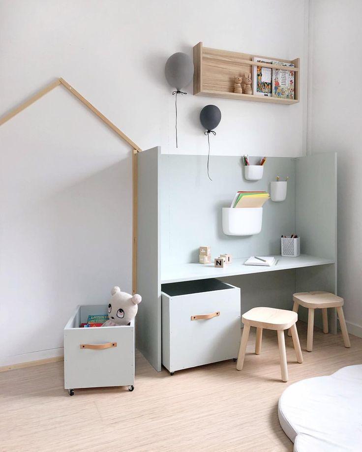 Homemade storage #barneromsdekor #barnerominspo #barnerom #kidsroomdecor #kidsroomideas #kidsroomdesign #jenterom #girlsroom #gutterom…