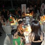 Tantissime le ragazze accorse per CND AperiShellac @ Discoteca Fellini Milano. Tutte impazienti di avere una CND Shellac Manicure da portare a casa!