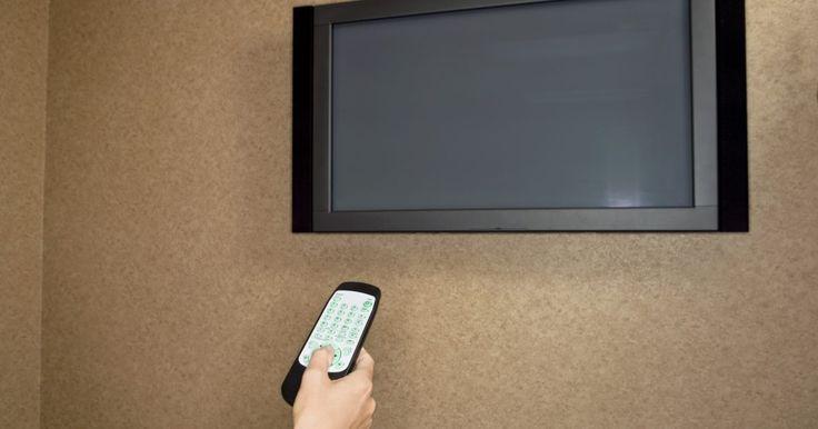 ¿Qué le pasa a una lámpara de un TV cuando se quema?. A diferencia de los televisores de plasma, que utilizan lámparas llenas de gas irremplazables para crear la luz y el color, tanto los LCD como los TV de proyección, también conocidos como DLP, utilizan lámparas reemplazables para ayudar a prolongar la vida de tu televisor. Al igual que las lámparas que se utilizan para iluminar tu casa, la luz en ...