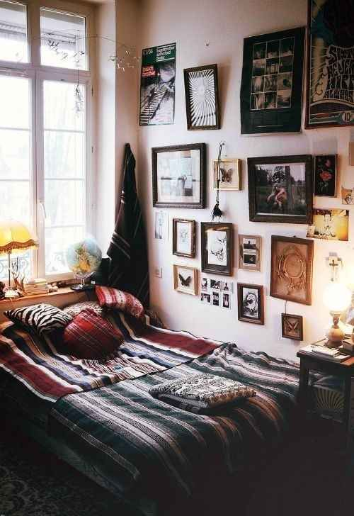 Antique-looking frames. | 21 Things You Will See In Every College Dorm Room