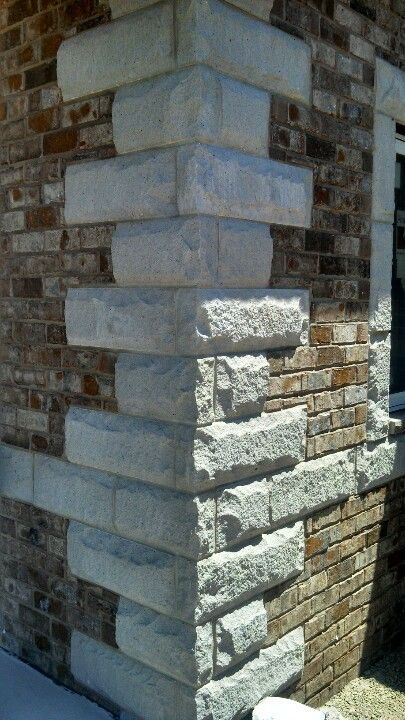 Stone Quoins With Engineer Size Brick Frames Finials