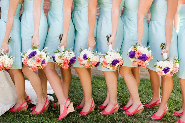 if only i were having blue as a wedding color.... i love the bright shoes & the bouquets!!