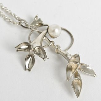 Sterling silver necklace with pearl by Sergiy Ryabchenok (Edmonton, AB). Member of the Alberta Craft Council