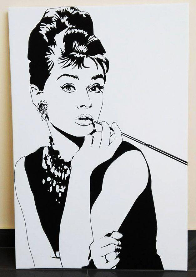 """Audrey Hepburn zasłynęła z roli w filmie """"Śniadanie u Tiffany'ego"""", a wykreowany tam wizerunek aktorki stał się #inspiracją dla obrazów, #plakatów i #tapet w stylu pop art. Na taki też #obraz na płótnie zdecydowali się nasi klienci. Jak Wam się podoba? 😊 https://fedkolor.pl/ #AudreyHepburn #popart #retro #vintage #obraznapłótnie"""