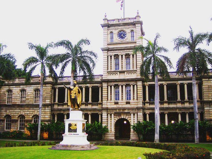 The residence of the governor of Hawaii #usa🇺🇸 #usa #hawaii #oahu #honolulu #kamehameha #historicbuildings #pacificocean #instatravel #instatraveling #wanderlust #wanderluster #сша🇺🇸 #сша #америка #гавайи #оаху #гонолулу #тихийокеан #камехамеха #историческоездание #инстатревел