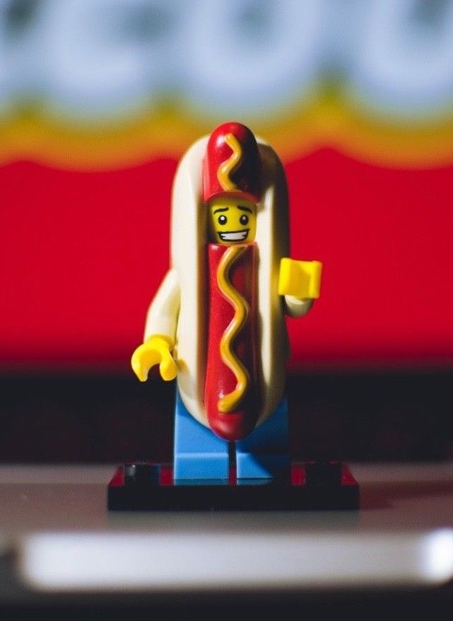 """Complete LEGO Collectible Minifigure #71008 Series 13 /""""HOT DOG MAN/"""""""
