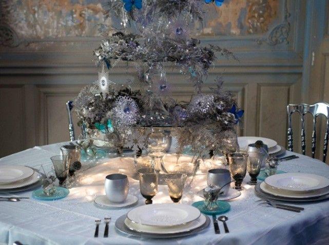 Table fete bleue et blanche