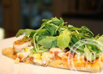 Пицца с креветками и рукколой