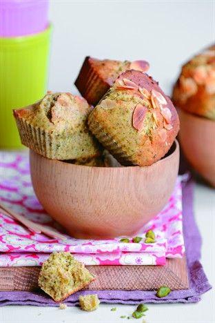 Cakes à la pistache, au miel et aux amandes Livre : Cakes et muffins Ed. Larousse Cuisine