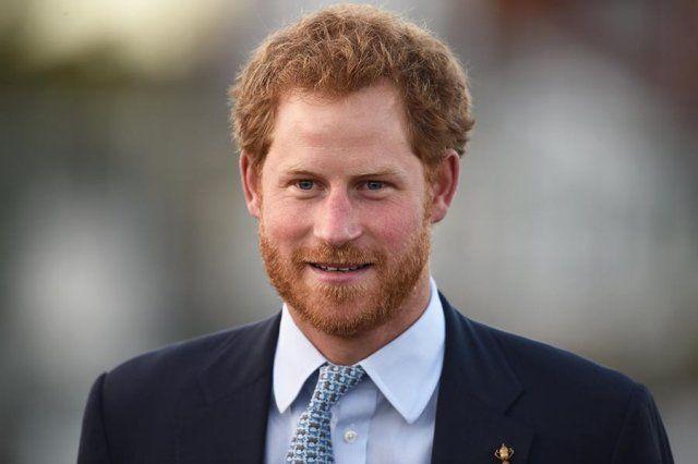 Πρίγκιπας Χάρι: «Κανένας από εμάς δε θέλει το θρόνο»: Κανένα μέλος της βασιλικής οικογένειας της Αγγλίας δεν θέλει το θρόνο, δηλαδή να…