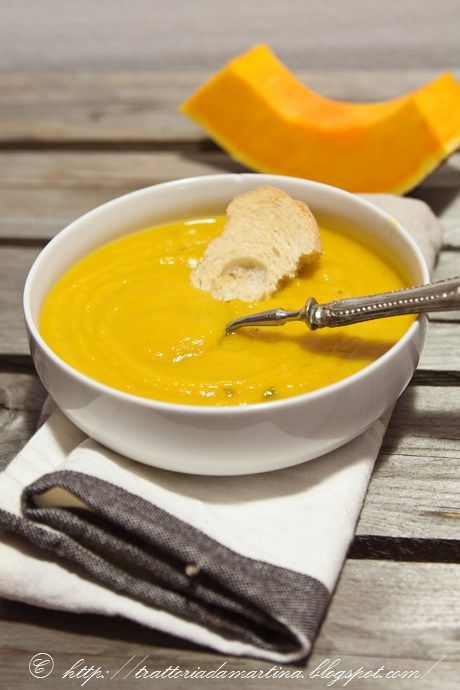 La vellutata di zucca e carote: leggerissima, dietetica, nutriente, ma....buonissima!
