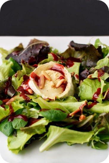 Fräulein M. kocht!: Gratinierter Ziegenkäse auf Salat mit Himbeerdressing