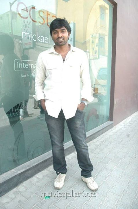 #Vijaysethupathi images, #Celebrities photos, #Kollywood #tamil Movie #Actor Stills. Check out more pictures: http://www.starpic.in/kollywood-tamil/vijay-sethupathi.html