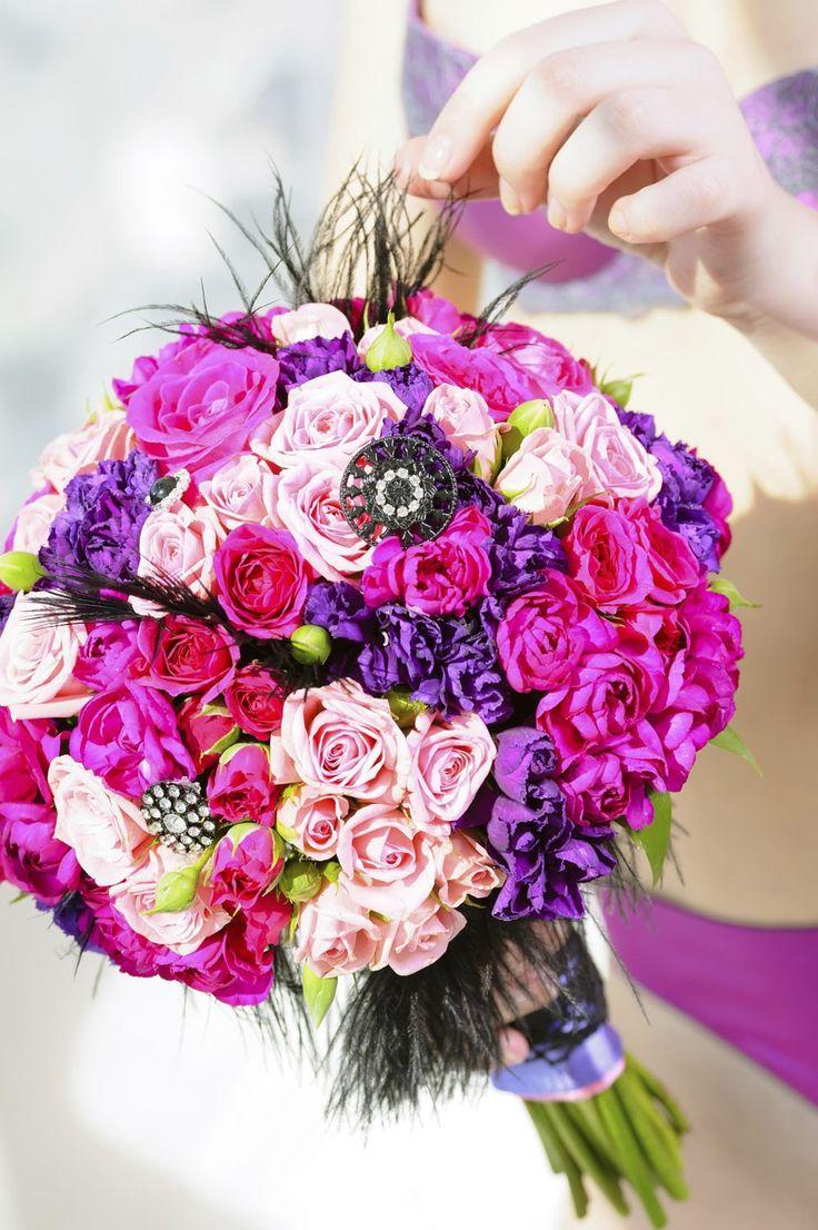 Buquês de noiva com rosas são clássicos - Bolsa de Mulher
