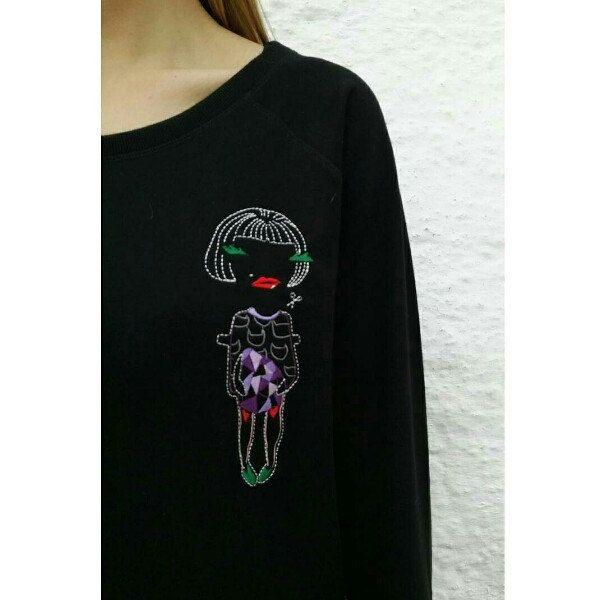 Littlerocks paper doll sweatshirt