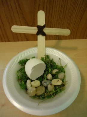 Easter Cross and Empty Tomb craft for kids- another cute one!
