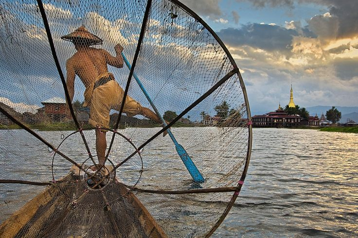 Fisherman on Inle Lake    BURMA-10075