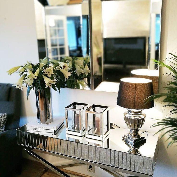#Repost @lady_leylaaa  #inspiringhomes #classicliving #interiorinspiration #inspire_me_home_decor #mynorwegianhome #love #eleganceroom #interior123 #finehjem #interior_and_living #dream_interiors #interiør #interiørdilla #inspohome #interiordecorating #interior125 #roomforinspo #interior #homedecoration #flowers  #unike_hjem #herregard_design #bedroomdecor #interior4you1 #glaminterior1 #interior9508
