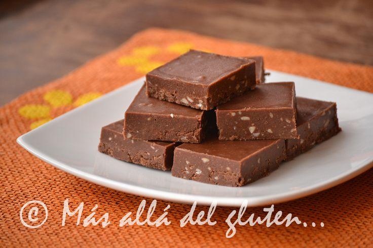 Más allá del gluten...: Cuadritos de Mantequilla de Almendras sin Hornear (Receta GFCFSF, Vegana, RAW)