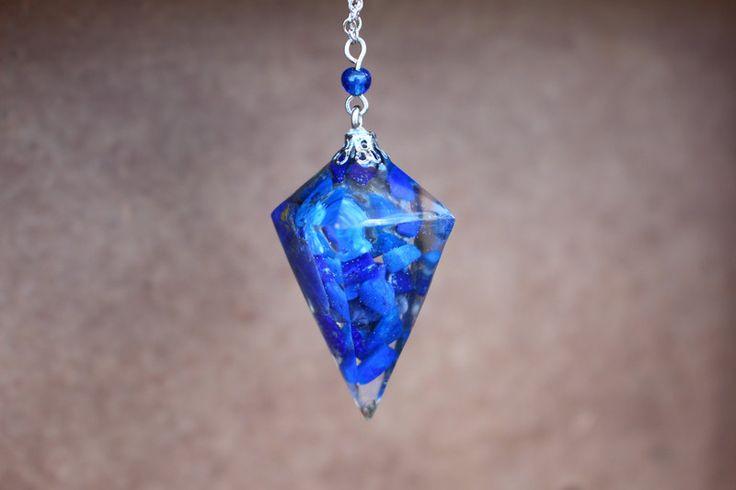 Sautoirs, collier pierre lapis lazuli résine boho gypsy est une création orginale de Baimy sur DaWanda