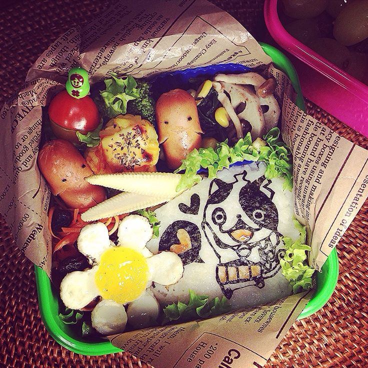 Youkai Watch Buchinyan 🌸 Sausage & Corn potato ball Bento. 妖怪ウォッチ ブチニャン 🌸 ソーセー人&コーンじゃが丸キャラ弁当