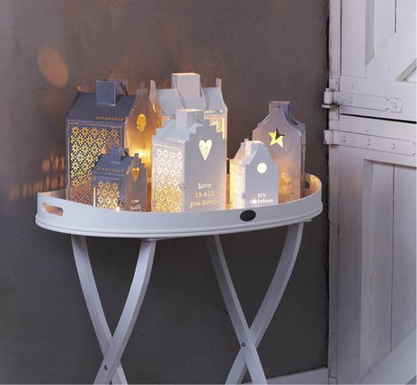 Riverdale Joy of Living > Collectie > Christmas 2012, huisje It's Christmas Time - in de kast