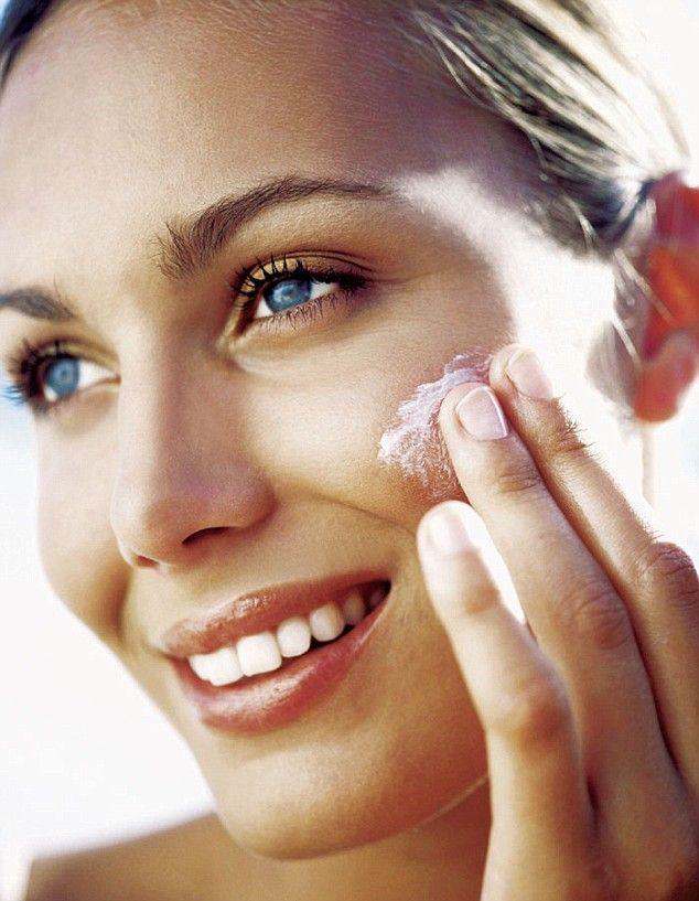 Arcunk ápolásánál fontos dolog a fényvédelem.  http://www.remylaure-athome.hu/blog