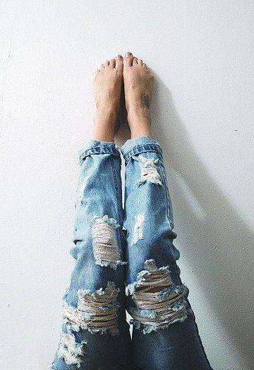 ripped boyfriend jeans #freepeople #oneteaspoon