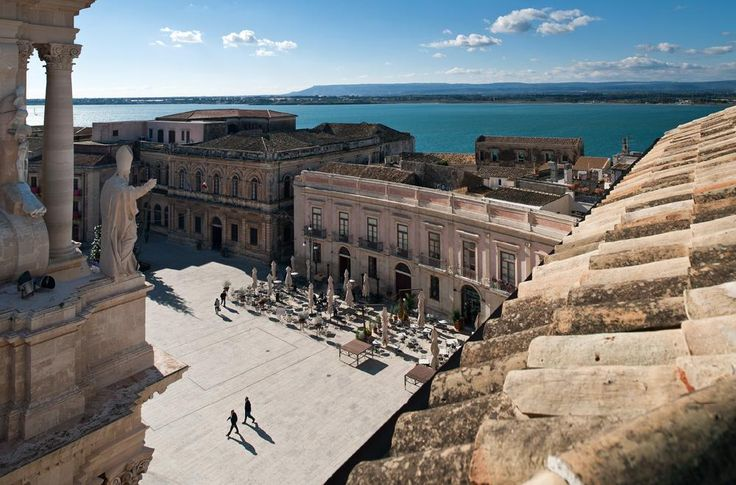 Piazza Duomo, Siracusa, Sicily , Italy.