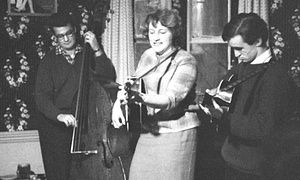 Pete Maynard, Marion Gray and Martin Carthy at the King & Queen, Foley Street, London, 1962.