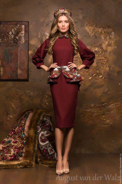 Платье в Русском стиле, женственное платье в миди длине. Эксклюзивное платье, платье в Санкт-Петербурге, в наличии и индивидуальный пошив. Платье от August van der Walz.