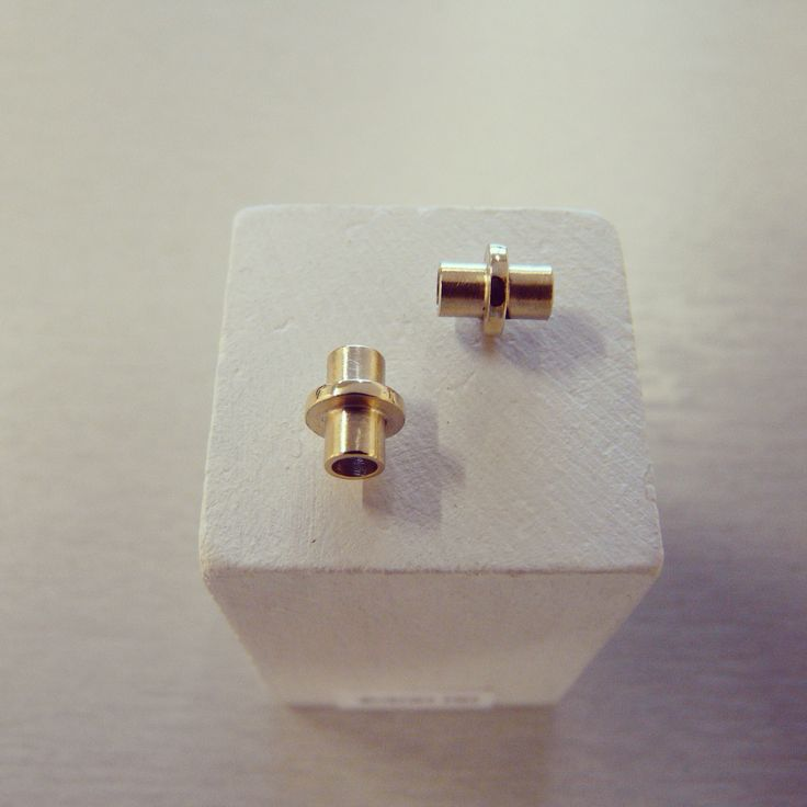 Rachel Swan Goldsmith 9ct Gold Stud Earrings