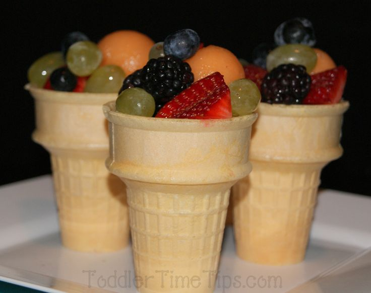Healthy Snacks For more pictures look on Face Book Fabulous ideas, projects and activities  Toddler Time Tips https://www.facebook.com/toddlertimetips