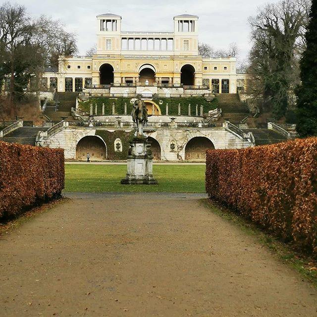 Die Orangerie Im Schlosspark Von Schloss Sanssouci In Potsdam Im Romantischen Winterlicht Sanssouci Schlosssanssouci Sanss Sanssouci Winterlicht Schlosspark
