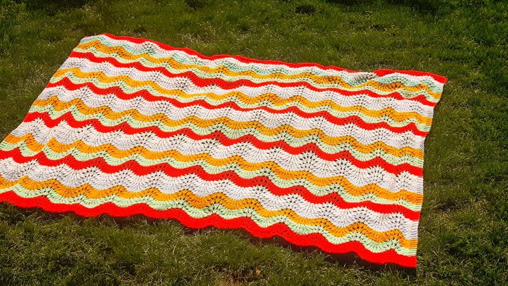 Left over from the Summer Blanket Sale, this vibrant blanket with its soft waves of colour can be yours for $30+shipping. No shipping cost if you are local and can pick up your purchase. E-Transfer or Cash accepted.