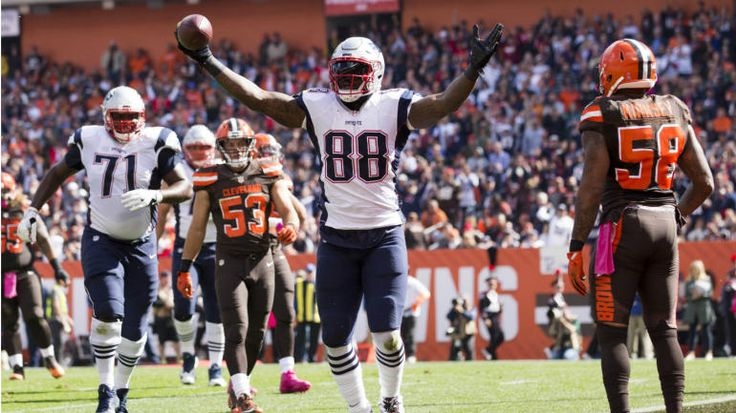 Martellus Bennett is scoring all the TDs and Gronk's Fantasy owners can't believe it