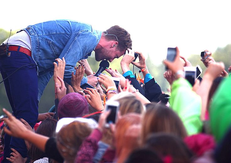 Kaiser Chiefs performing at the V Festival in Weston Park, Staffs, UK.