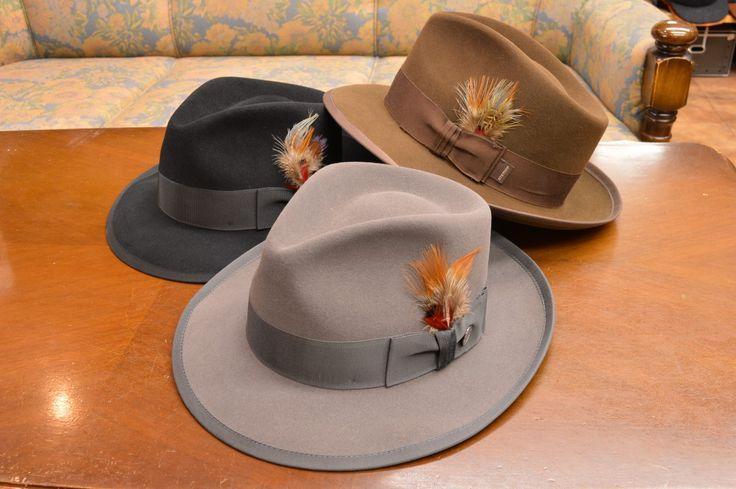 創業1865年、カウボーイハット創出メーカーとして、世界中の人々に愛され続けている、アメリカ、テキサス、「STETSON(ステットソン、ステッソンと呼ばれる方もおられます。)」ブランドからの、ファーフエルト、WHIPPET(ホイペット)、(Sovereign(ソブリン))、Pinch front(ピンチフロント)、つまみ帽子です。