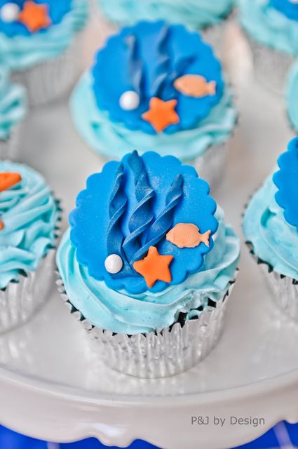 Cupcakes at an Under the Sea Party #underthesea #cupcakes