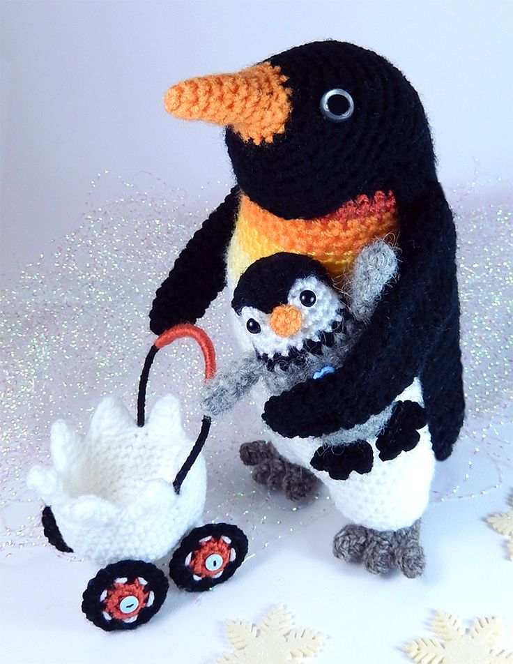 crochet Papa Penguin and Baby Pierre