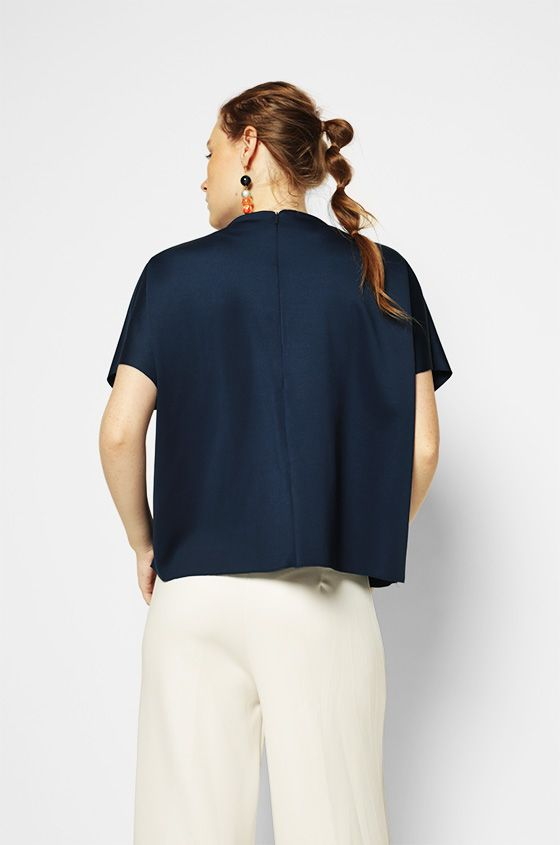 Short Sleeved Navy Hanneli | COTTONINK