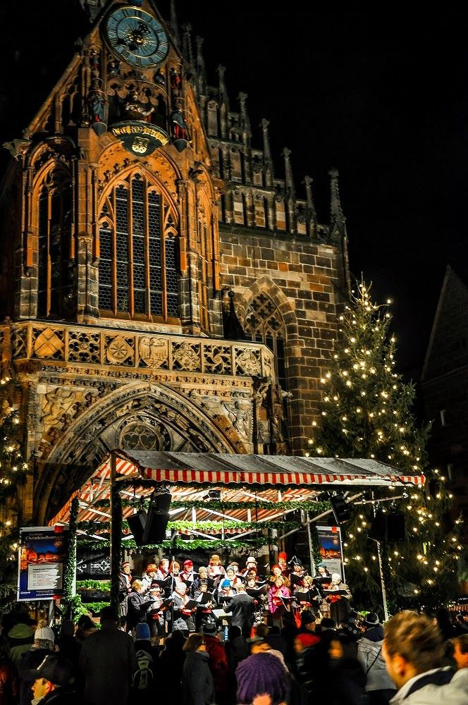 Choir performances add to the atmosphere of the Nuremberg Christmas market