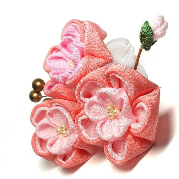 Plum Blossom (Ume) Kanzashi