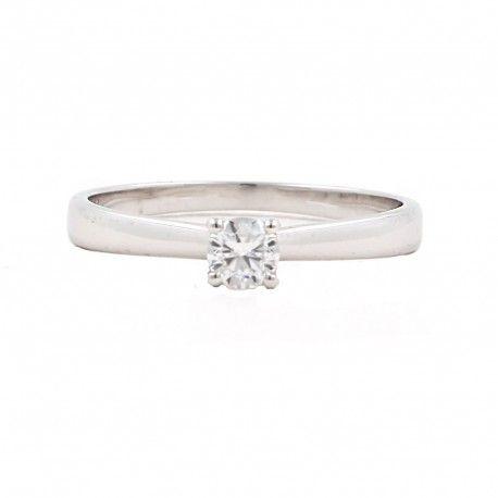 Ideas... de anillo de compromiso <3 Este anillo está hecho en oro blanco de 18 kilates con un diamante de 0,19kts. alicante joyeria marga mira | anillos de compromiso diamante | anillos de compromiso precio | anillos de compromiso alicante | anillos de compromiso oro blanco | joyeriamargamira.com/content/10-anillos-compromiso-alicante | #joyerias #alicante #anillos #wedding #ring #gold #oro #alacant #costablanca #jewellery #diamonds #style #luxury # bodas | https://goo.gl/B7Svro