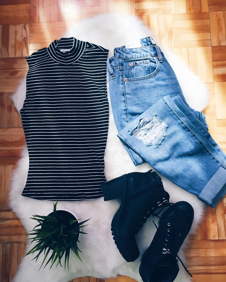 #OOTD / Shop the look: http://www.garageclothing.com/ca/cat/mom-jean?utm_source=pinterest&utm_medium=social&utm_content=arianne.dl&utm_campaign=iweargarage #iweargarage