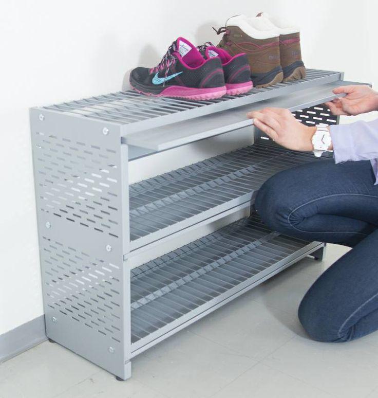 Tiesitkö, että kaikki Jamiton kenkähyllyt ja -telineet sisältävät ulosvedettävät kurakaukalot? Näiden avulla siivoaminen helpottuu ja myös alempien tasojen kengät pysyvät siisteinä. Kaukalo kerää kaiken kengistä irtoavan kuran, hiekan ja sulavan lumen. Ei enää ikinä liejua tai lätäköitä lattialla! Did you know that every Jamito shoe rack and shelf includes pull-out dirt tray? With these cleaning is easy and shoes in lower levels stay clean. www.jamito.fi #shoe #rack #kenkäteline #kenkähylly
