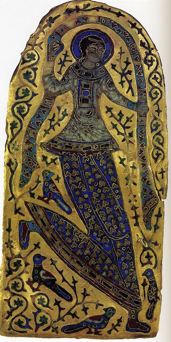 File:Танцующая Девушка с короны Константина1.jpg