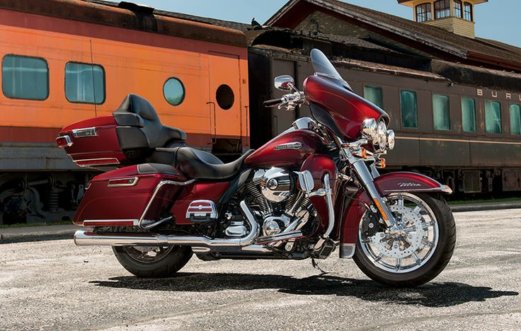 When you see one coming down the road, you're looking at the machine that invented the category of Grand American Touring. | 2015 Harley-Davidson Ultra Classic