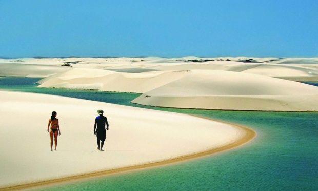 Lencóis Maranhenses  Localiza-se ao norte do Brasil, na região nordeste, no litoral do estado do Maranhão. Com um perímetro de 270 km e 156 584 ha de área, o parque está inserido no bioma costeiro marinho, com ecossistemas de mangue, restinga e dunas. Lençóis Maranhenses abriga em seu interior aproximadamente 90 000 ha de dunas livres e lagoas interdunares de água doce.  http://pt.wikipedia.org/wiki/Parque_Nacional_dos_Len%C3%A7%C3%B3is_Maranhenses